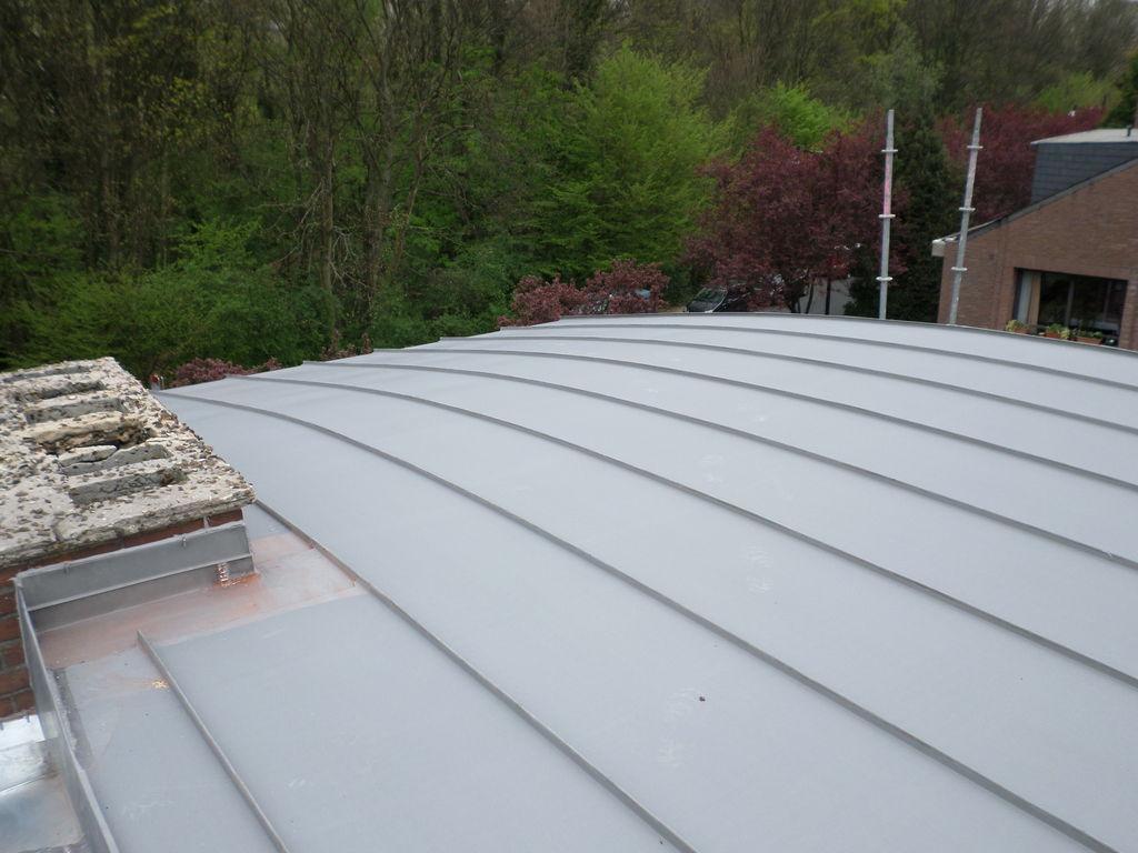 Toiture et bardage en zinc bruxelles namur belgique for Ornement de toiture en zinc